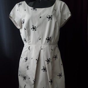 Gorgeous afternoon luncheon dress